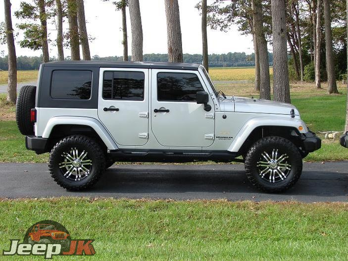 Jeep JK with 33s and 3 inch lift