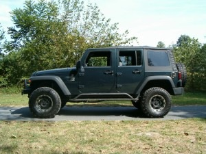 Jeep JK with 33 inch tires and 3 inch lift