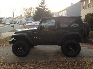 Jeep JK with 4.5 inches lift and 35s