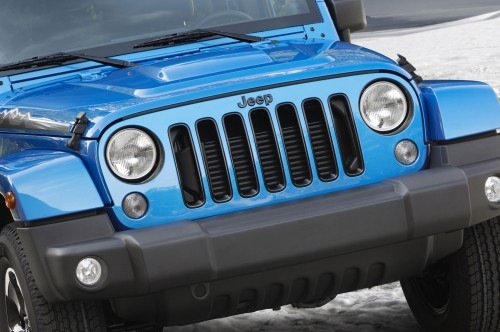 Jeep-Wrangler-Polar-Edition-front-grille