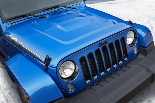 Jeep-Wrangler-Polar-Edition-front-view